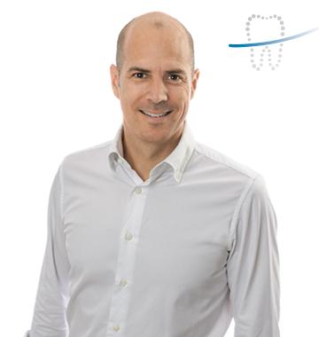Dr. Johannes Heimann - Spezialist für Implantologie