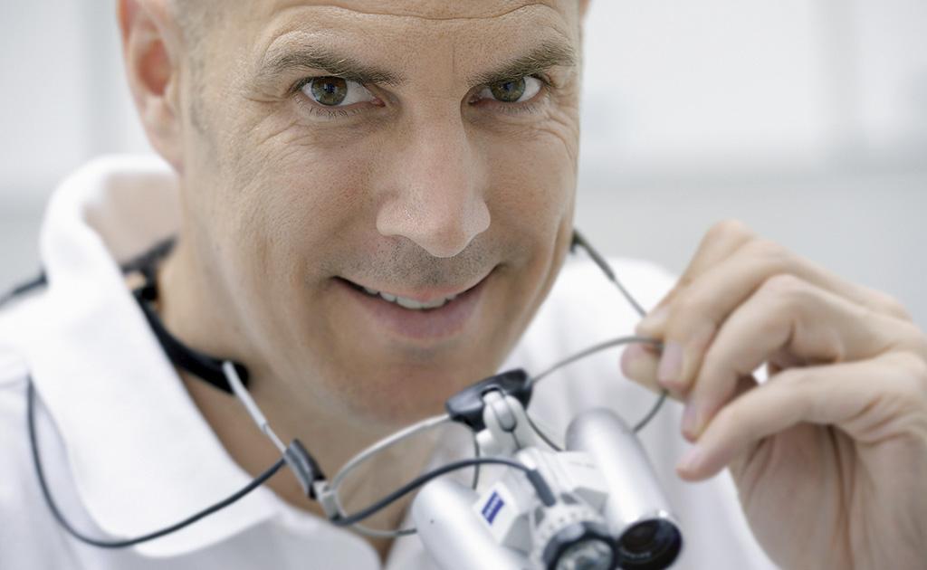 Dr. Johannes Heimann - Zahnarzt aus Frankfurt für Implantologie